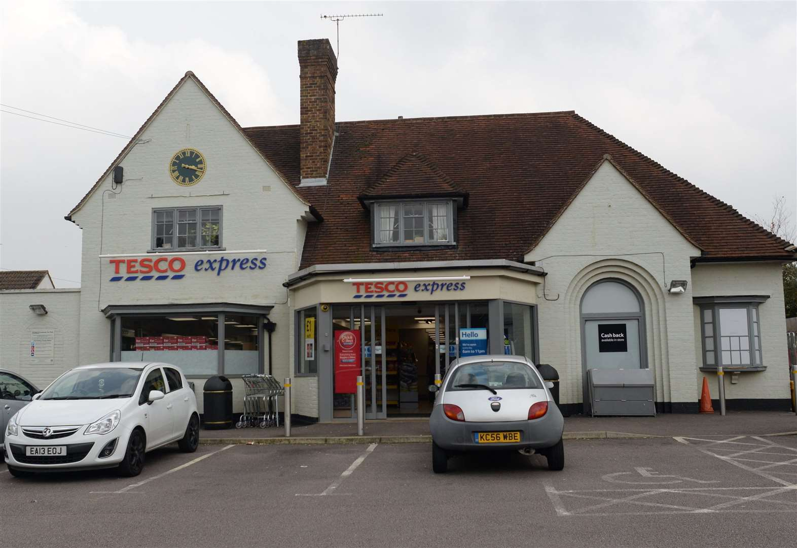 Tesco Express stores in Stortford and Stansted raided by burglars