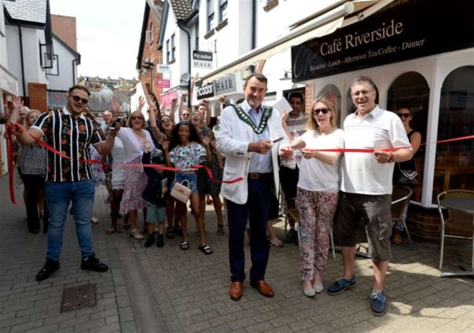 Stortford couple open new cafe in town centre