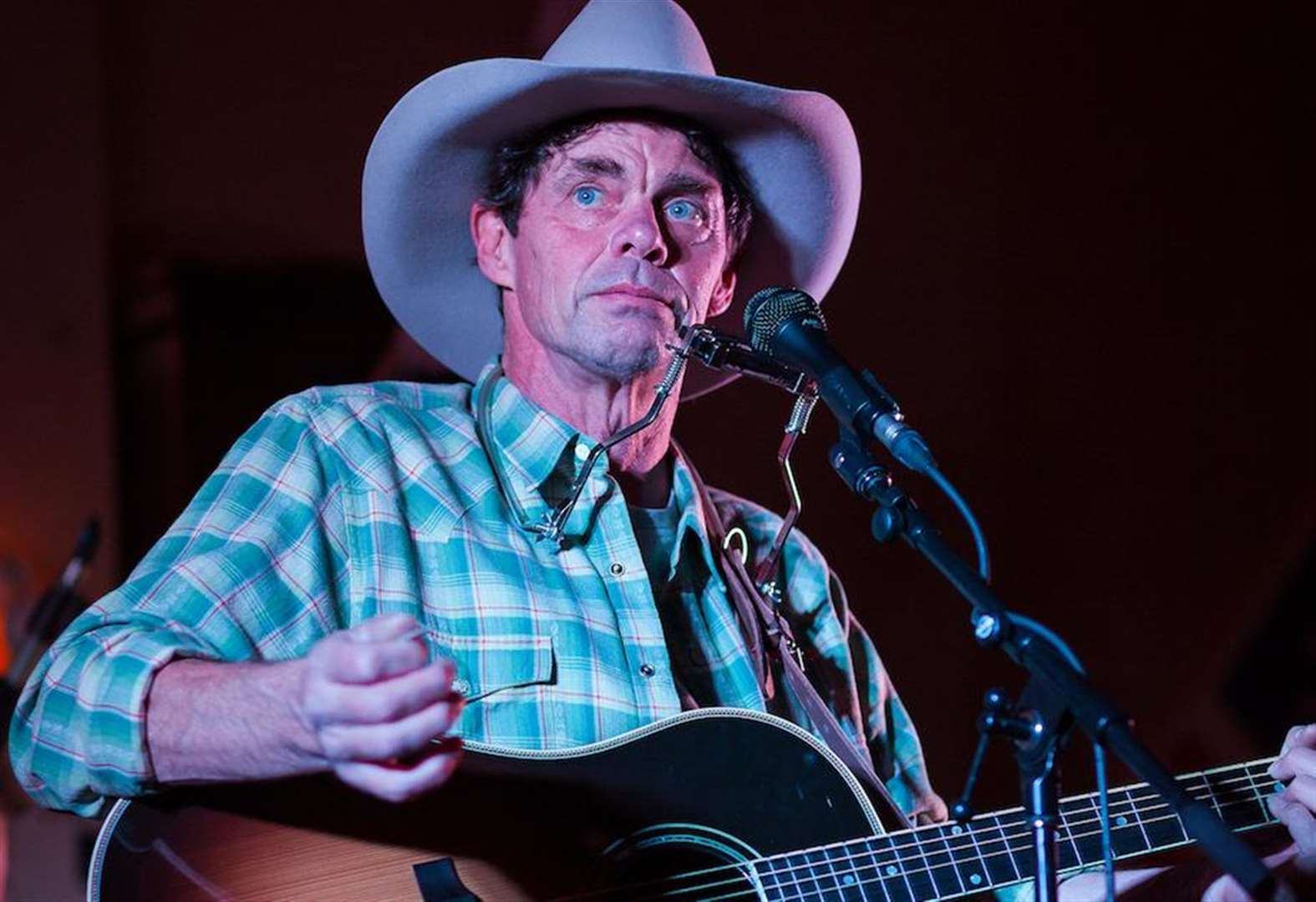 Hilarious, foot-stomping good time to be had with comedian Rich Hall at Rhodes