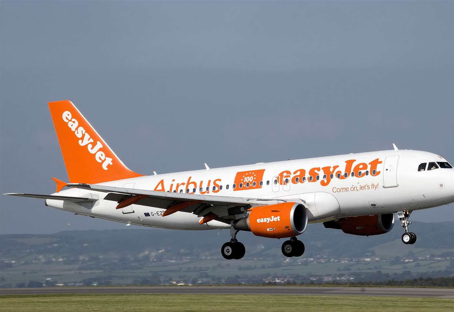 Relief for Stansted Airport easyJet passengers as check-in staff call off strikes
