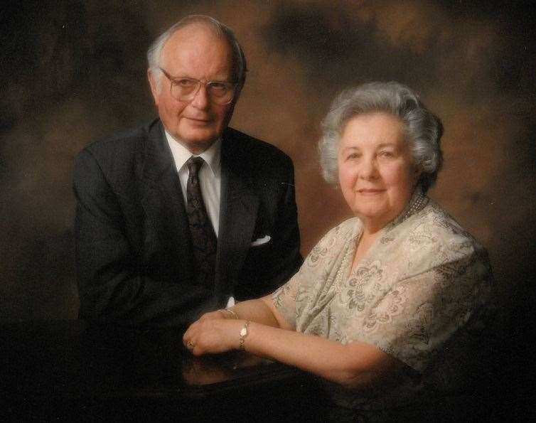 Bart Robinson with wife Doris, who died in 2013 (35098844)