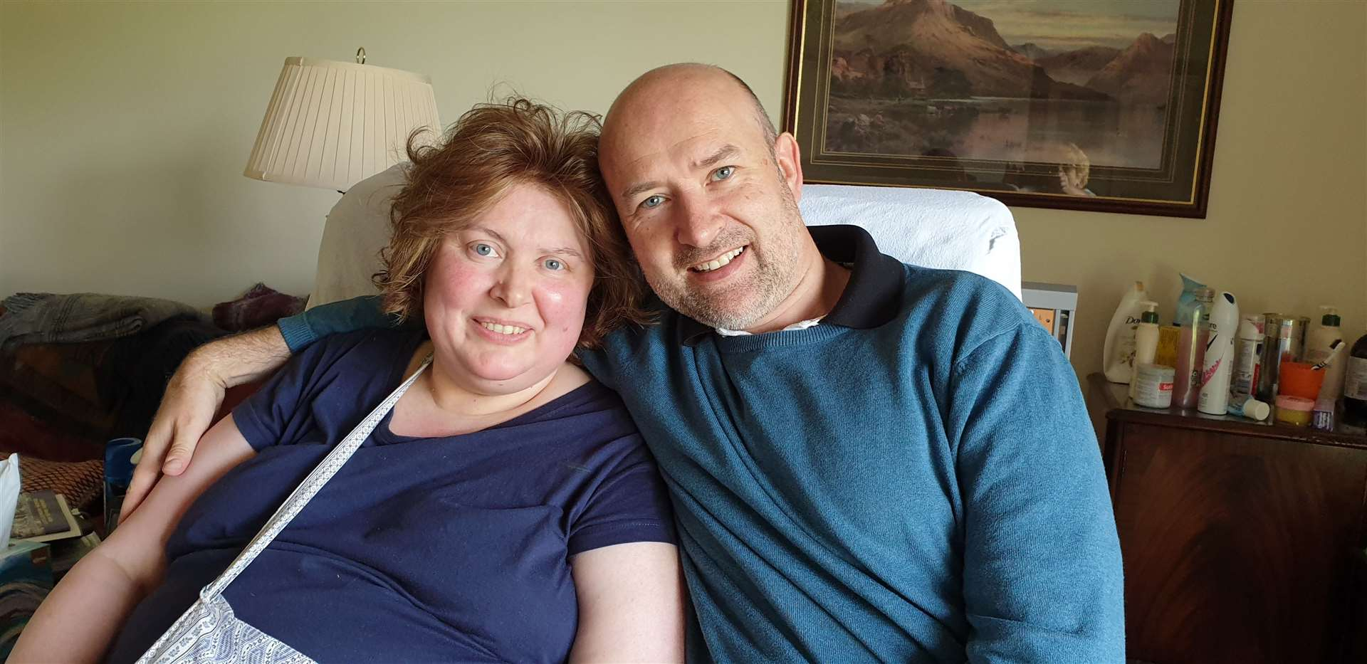 John Pearson and his cancer-stricken sister Liz (12976581)