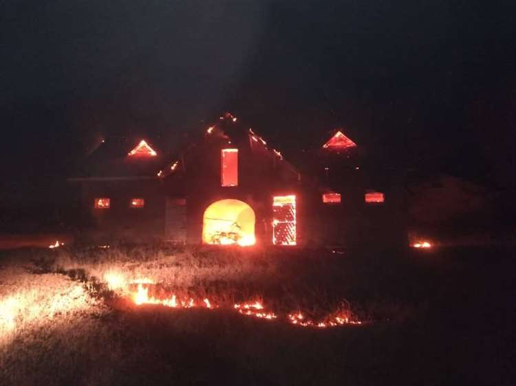 The stables on fire from Moira Fitzpatrick's Facebook post (36398969)