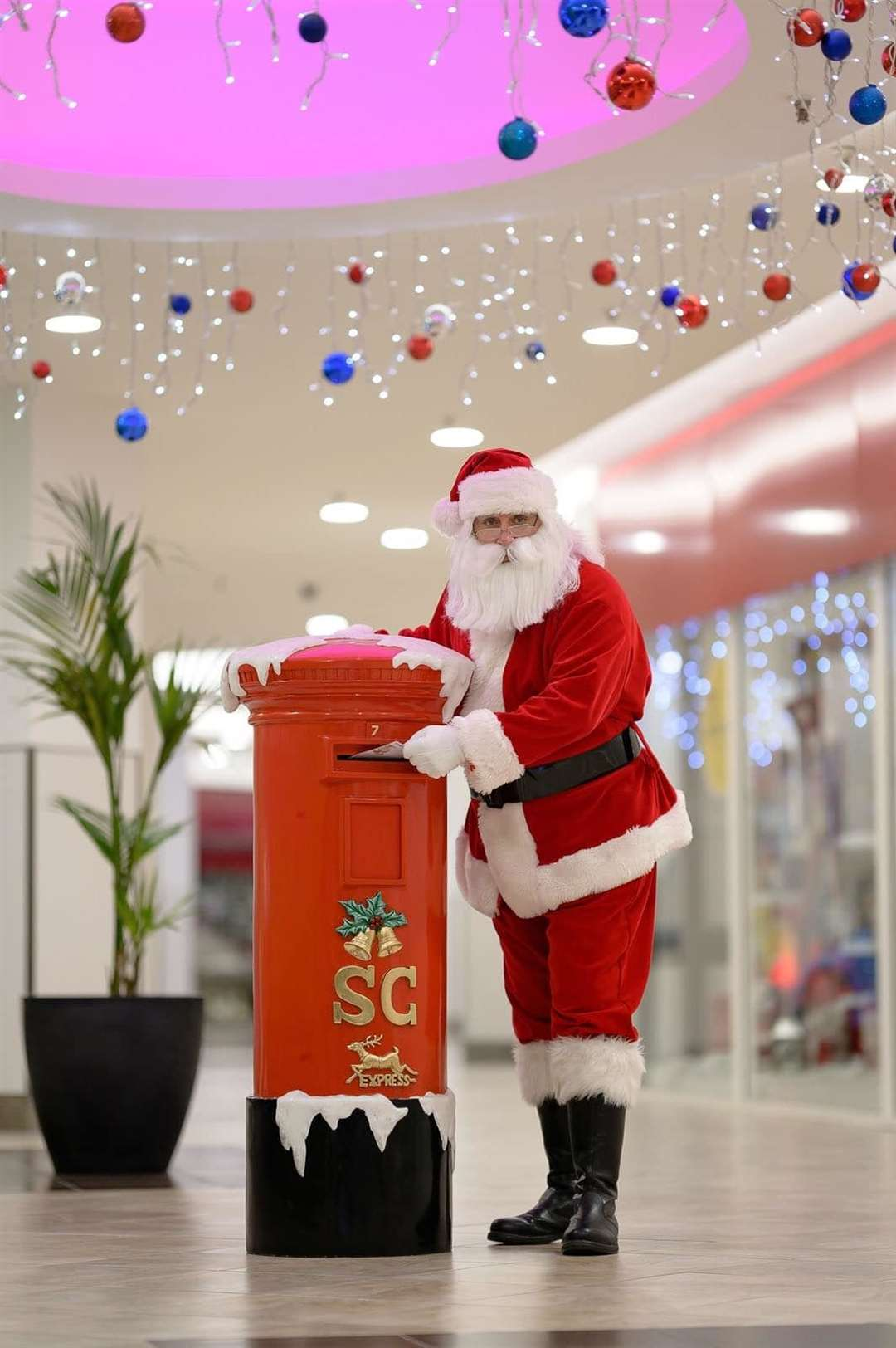 Home Instead Senior Care East Herts and Uttlesford's 'Be a Santa To a Senior' scheme comes to Jackson Square from December 1