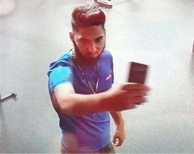Please call 101 if you can help Stortford police to trace this man. (15180310)