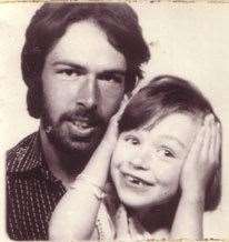 Lian as a five-year-old with her father Rob in 1978 (27217292)