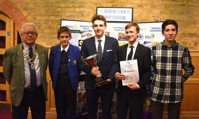 The winning team from HockerillAnglo-European College withPresident David Royle of Bishop'sStortford Rotary Club. (l to r: DavidRoyle, George Braeckman, ErwannHarrison, Thomas Wilson, OliverBrunt) (8017172)