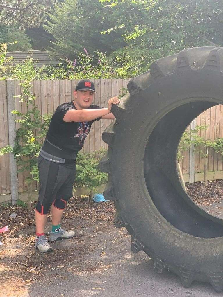 Alfie Poyser competing in Ingatestone's Strongest (42527463)