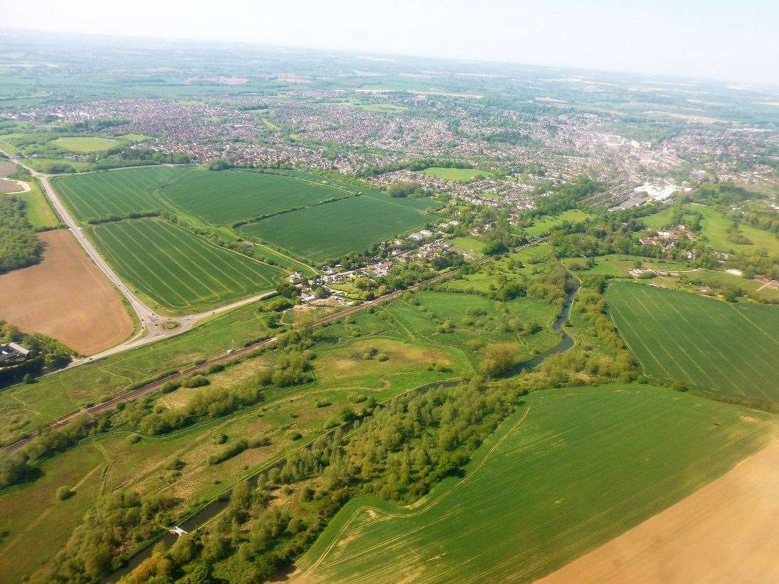 An aerial picture of the Bishop's Stortford South development site (20625754)