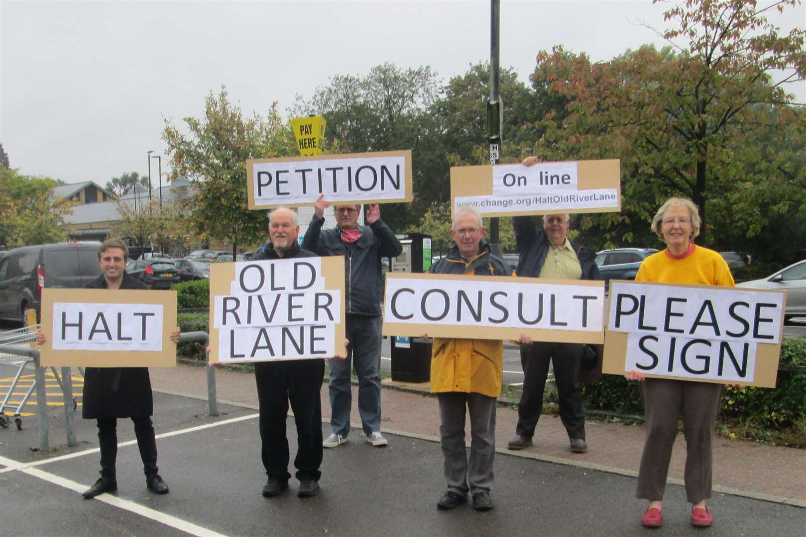 United in opposition to Old River Lane (42581467)
