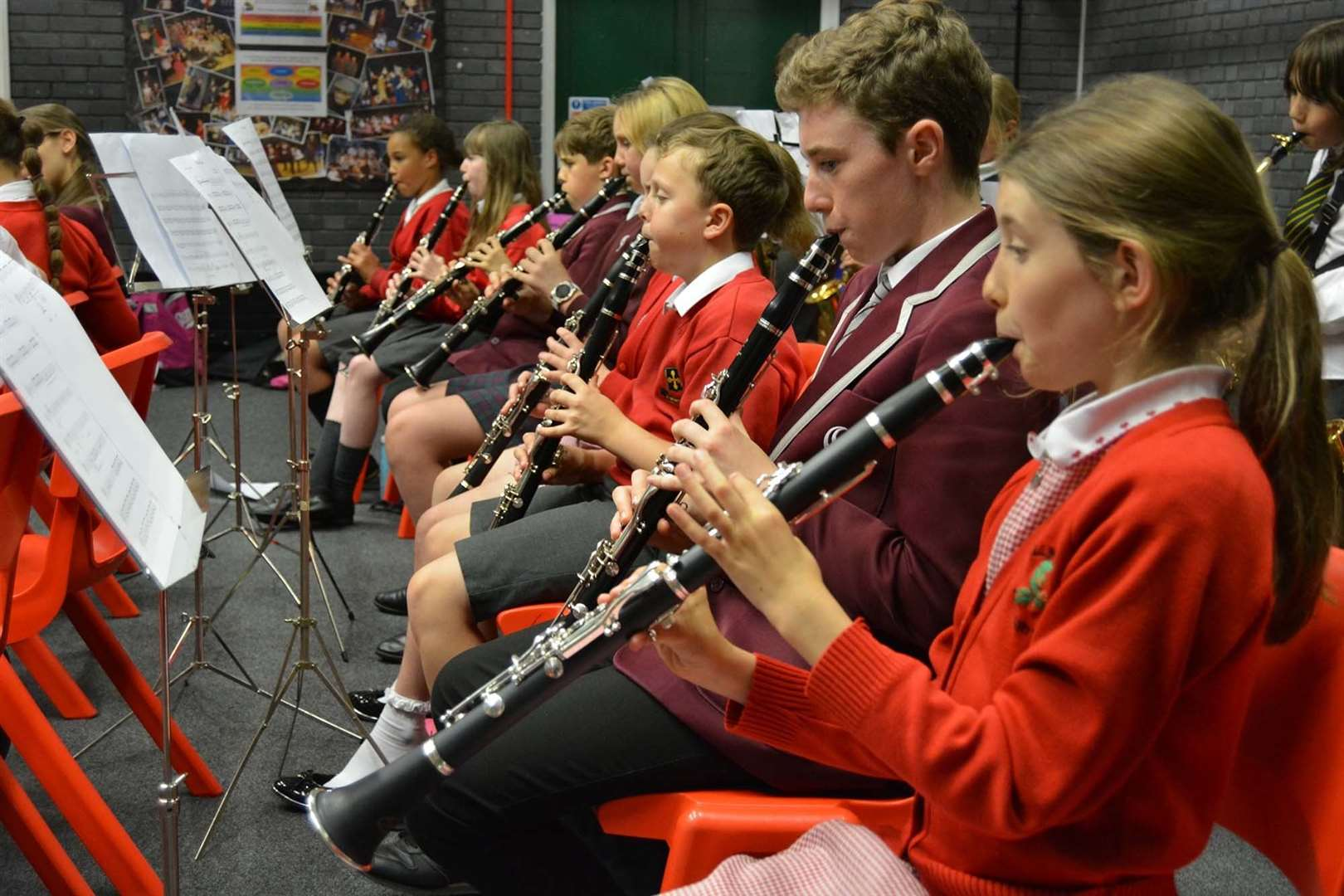 Young musicians at Birchwood High School (12773908)