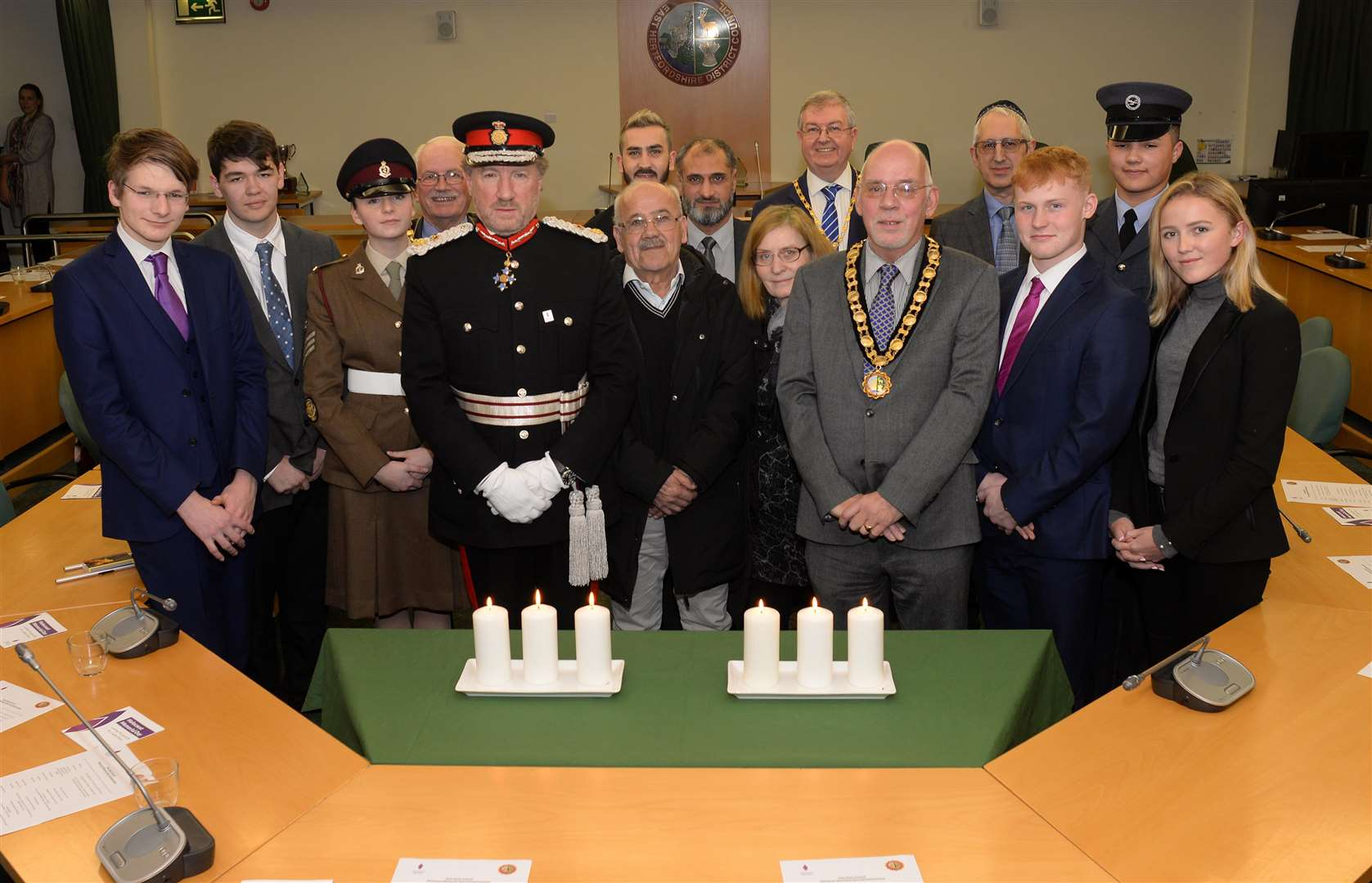EHDC Offices, Wallfields, Hertford. Holocaust Memorial. Lord Lt. Hertfordshire Robert Voss and Chair of EHDC Keith Warnell with guests and speakers at the Memorial event. .Pic: Vikki Lince. (6829328)