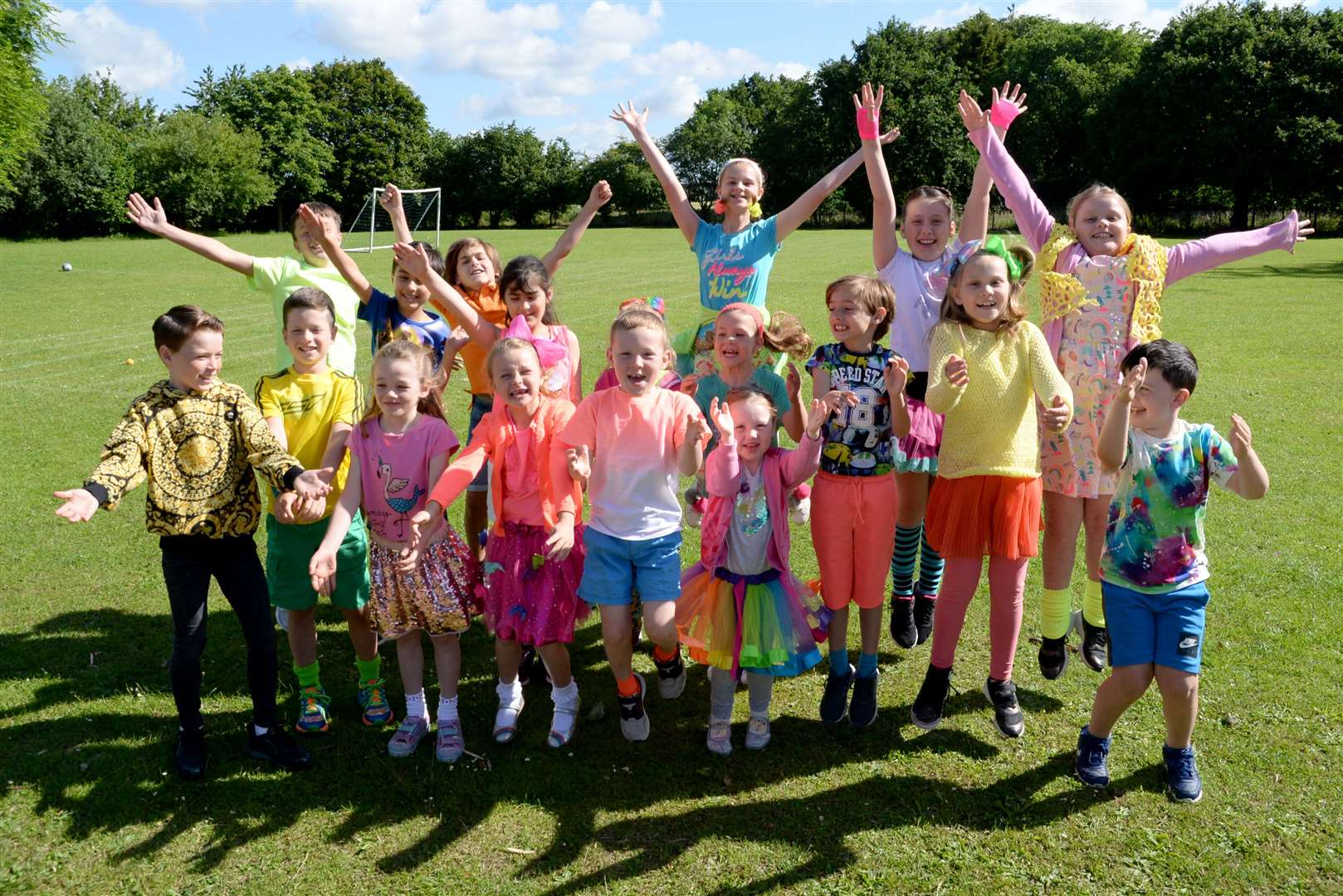 Little Hallingbury Primary School.Pupils dressed in wild and wacky colours to promote their pop up circus in July. .Pic: Vikki Lince. (12920104)